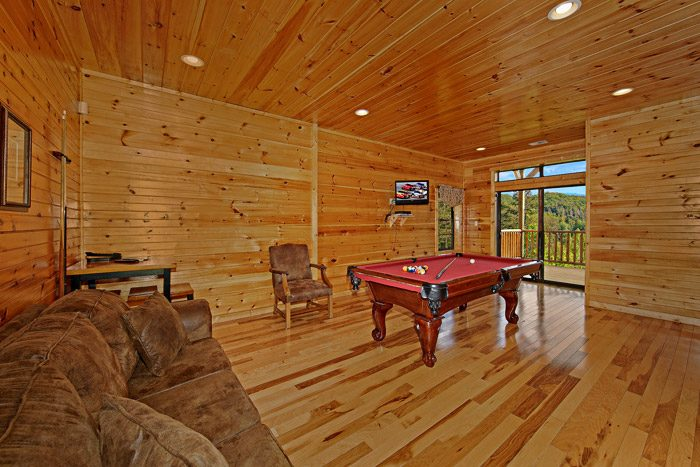 Cabin with a Gameroom - 1 In A Million