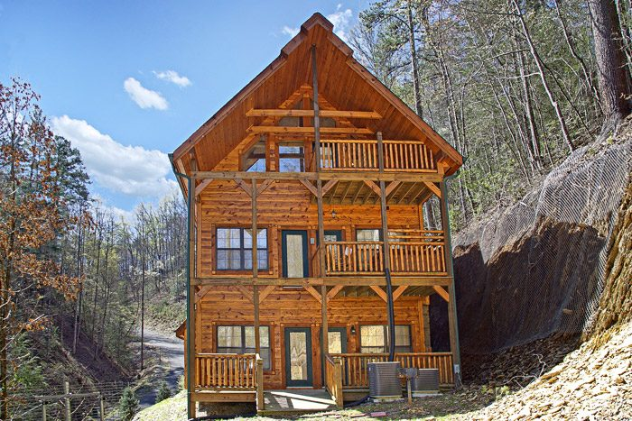 theater cabin rental secluded cabin in pigeon forge