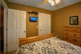 Cabin with Queen Bedroom and 2 Bathrooms