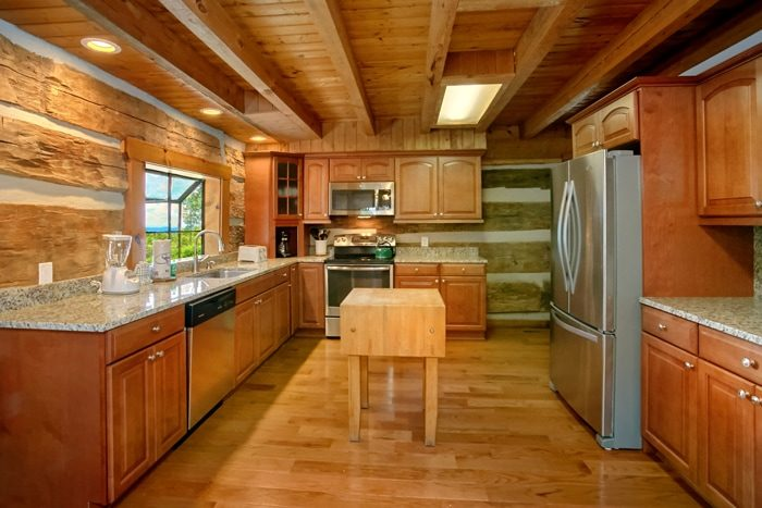 Cabin with Spacious and Modern Kitchen - 4 Seasons Gatlinburg