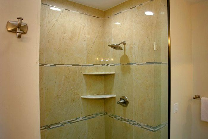3 Bedroom Cabin with Luxurious Bathrooms - 4 Seasons Gatlinburg