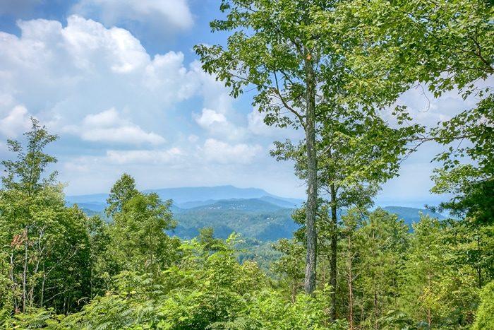 Private Gatlinburg Cabin with Mountain Views - 4 Seasons Gatlinburg