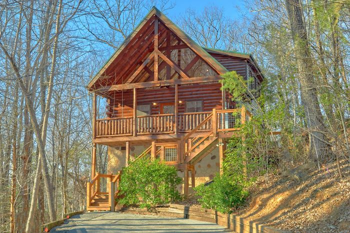 private 2 bedroom cabin rental a bear encounter