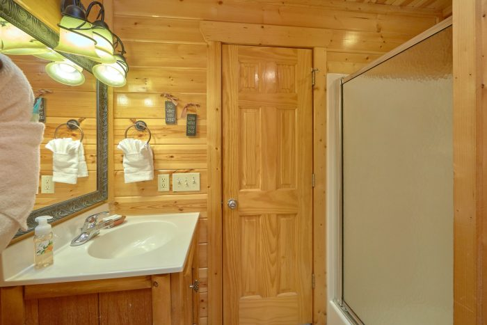 Bathroom with Jacuzzi Tub - A Bear Endeavor