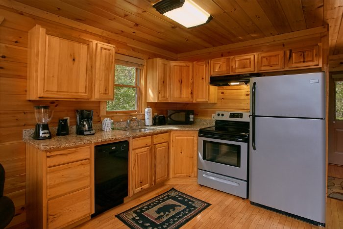 1 Bedroom Cabin with Beautiful Stainless Kitchen - A Bears Gatlinburg Den