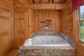 Cabin with Private Jacuzzi in King Suite
