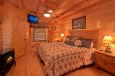 4 Bedroom Cabin with Main Floor King Bedroom