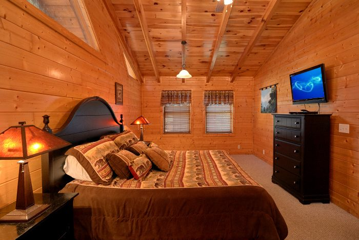4 Bedroom Cabin with 2 King Bedrooms - A Bears Lair