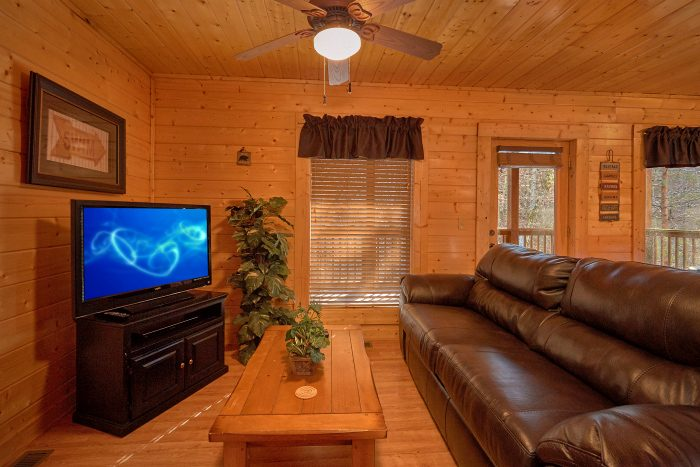 Cabin with Game Room and Pool Table - A Bears Lair
