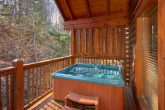 Resort Cabin with 4 Bedrooms and Hot Tub