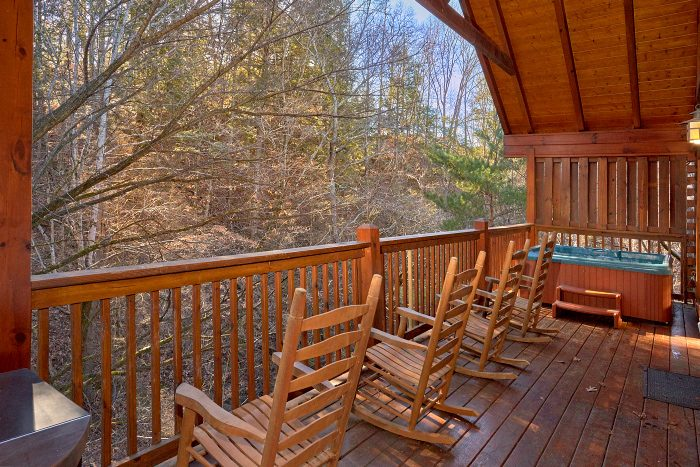 4 Bedroom Cabin with Private Hot Tub - A Bears Lair