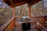 4 Bedroom Cabin with Rocking Chairs and Grill