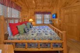 Cabin with King Bed, Jacuzzi and Fireplace