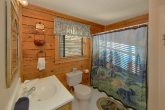 2 Bedroom Cabin near downtown Pigeon Forge