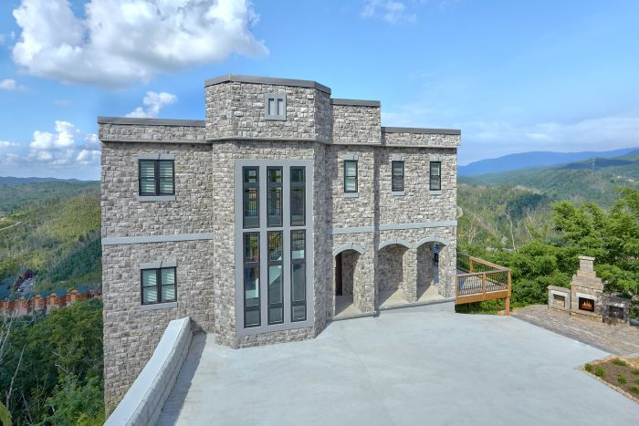 A Castle in the Clouds Cabin Rental Photo