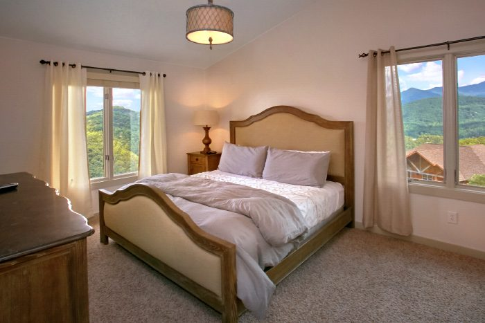 Premium Cabin with Private King Suites - A Castle in the Clouds