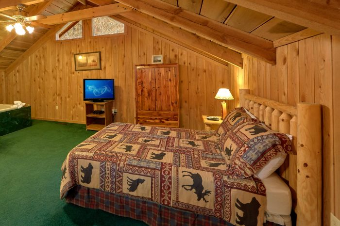 2 Bedroom Cabin with Loft Bedroom Sleeps 8 - A Creekside Retreat