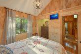 Spacious Queen bedroom in 4 bedroom cabin