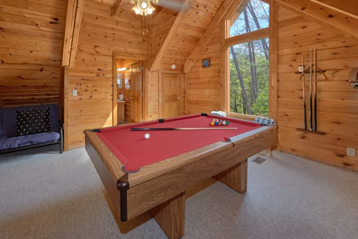 Cabin with Loft Game Room and Pool Table - A Gift From Heaven