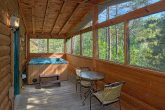 1 Bedroom Cabin with Hot Tub on Screened Porch