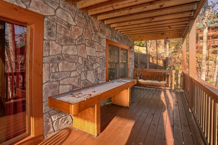 3 Bedroom Cabin with Game Room & Shuffle Board - A Grand Getaway