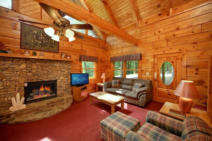 ... Cabin With Spacious Living Room   A Hidden Mountain 360 ...