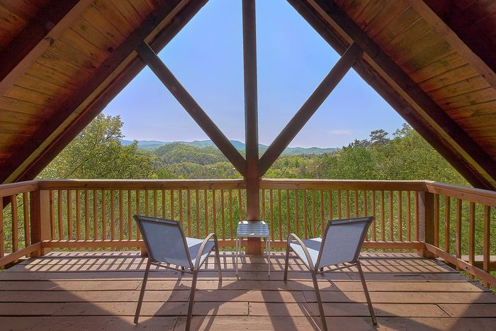 Featured Property Photo - A Lazy Bear's Hideaway