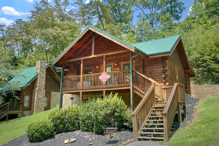 A Lovers Retreat Cabin Rental Photo