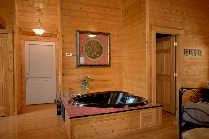1 Bedroom Cabin with corner Jacuzzi Tub - A Lovers Retreat