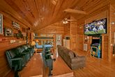 4 Bedroom Cabin with Luxurious Amenities & Games