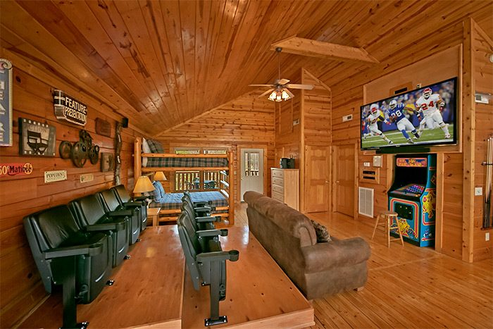 4 Bedroom Cabin with Luxurious Amenities & Games - A Mountain Paradise