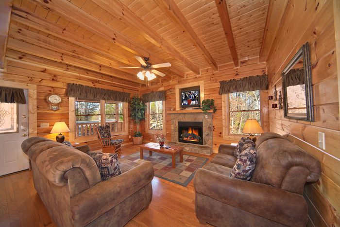 Premium 4 Bedroom Cabin with a Living Room - A Mountain Paradise