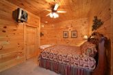 Smoky Mountain 4 Bedroom Cabin with King Suite