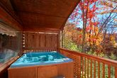 Smoky Mountain Honey Moon Cabin with Hot Tub