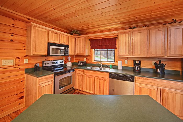 Smoky Mountain Cabin with Fully Equipped Kitchen - A Peaceful Easy Feeling