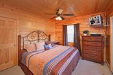 Smoky Mountain Cabin with King Bedroom