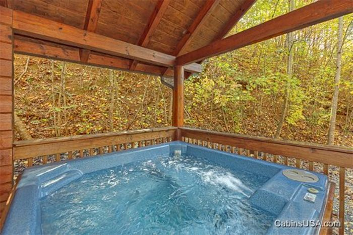 Private Cabin with a Private Hot Tub - A Peaceful Getaway