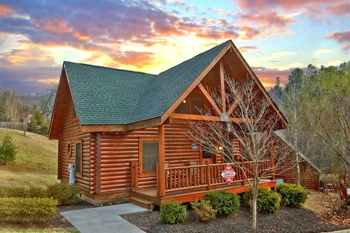 Smoky mountain ridge resort wears valley cabin rental for Rent cabin smoky mountains