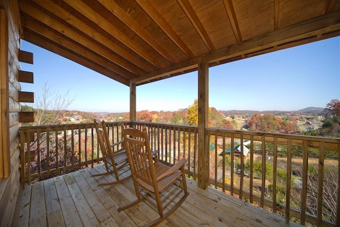 Pigeon Forge Cabin in Arrowhead Resort with View - A Romantic Journey