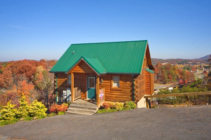 A Romantic Journey Cabin Rental Photo. 1 Bedroom Cabin in the Pigeon Forge Smokies