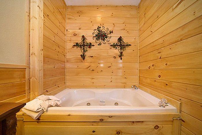 1 Bedroom Cabin that Features in Indoor Jacuzzi - A Romantic Journey