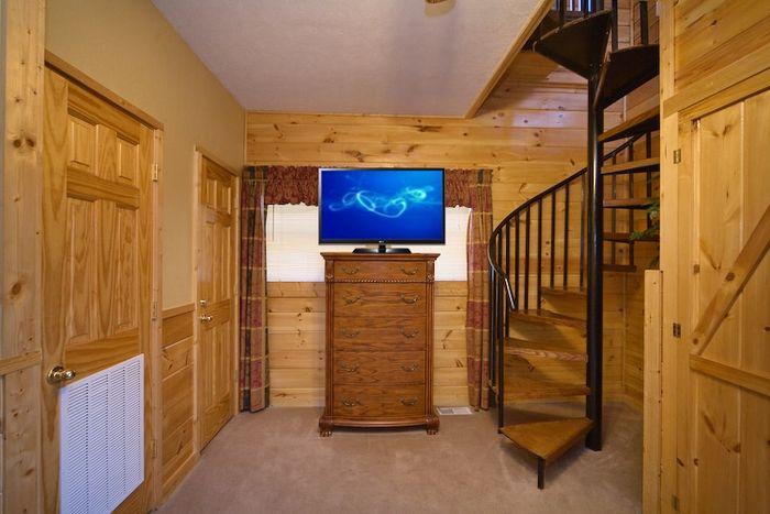 Pigeon Forge 1 Bedroom Cabin in Arrowhead Resort - A Romantic Journey