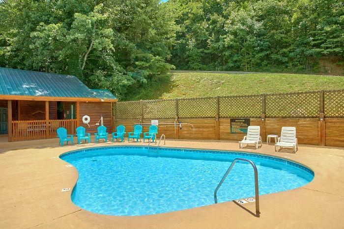 1 Bedroom Cabin with Resort Pool - A Romantic Journey