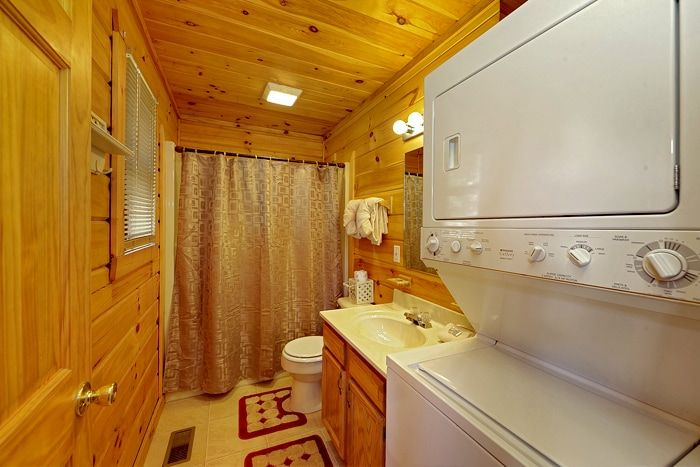 1 Bedroom Pigeon Forge Cabin with Washer/Dryer - A Romantic Retreat