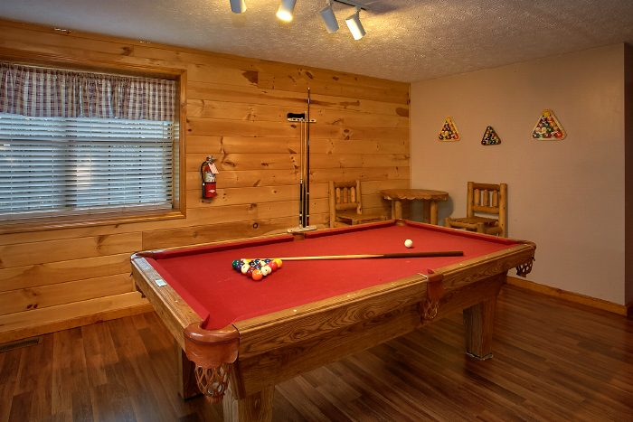 Secluded Cabin with Pool Table and Game Room - A Ruff Life