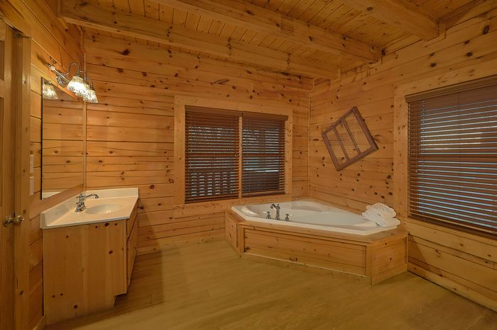 Queen Bedroom in Cabin - A Smoky Mountain Experience