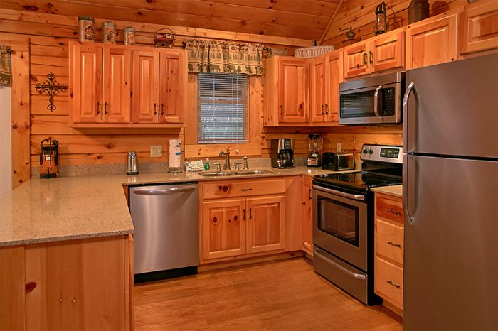 Pigeon Forge Cabin with Fully Equipped Kitchen - A Smoky Mountain Jewel