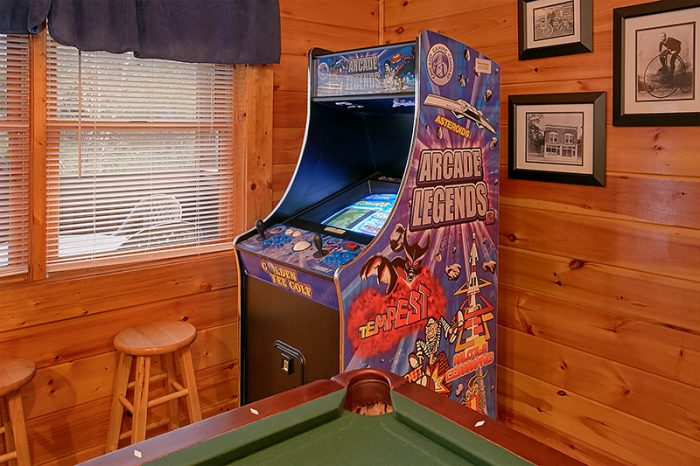 Pigeon Forge Cabin with Arcade Game in Game Room - A Smoky Mountain Jewel