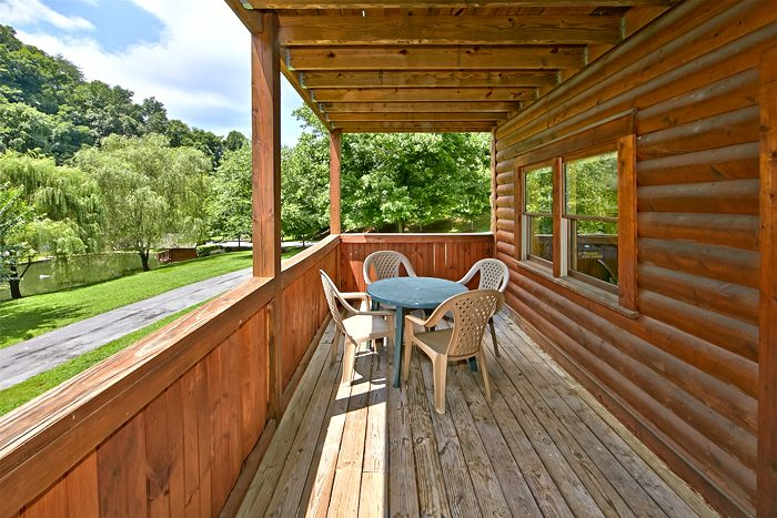 Pigeon Forge 2 Bedroom Cabin near Downtown - A Smoky Mountain Jewel