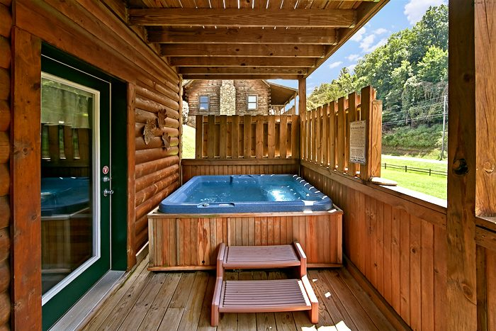 Premium 2 Bedroom Cabin with a Private Hot Tub - A Smoky Mountain Jewel
